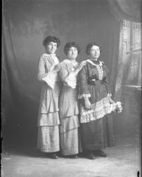 CH085 Dames inconnues, 1914.