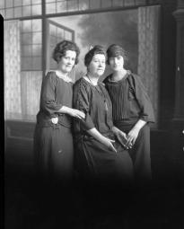 CH085 Femmes inconnues, 1924.
