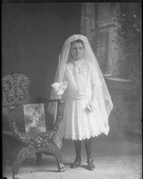 CH085 La jeune fille de Noé St-Bernard, 1913.