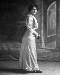 CH085/001/002/0017 Femme inconnue, 1905.