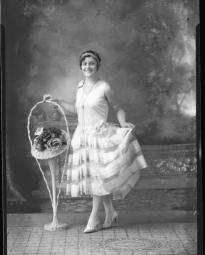 CH085 Pauline Richer, 1928.
