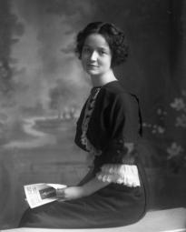 CH085/001/002/0015 Femme inconnue, 1905.