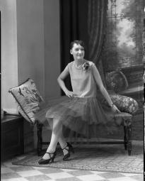 CH085 Mademoiselle Charpentier, 1930.
