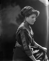 CH085/001/002/0143 Femme inconnue, 1910.