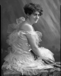 CH085, Femme inconnue, 1930.