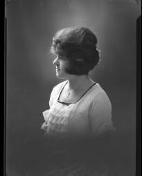 CH085 Mademoiselle Bélisle, 1920.