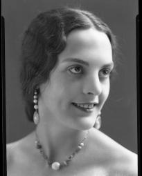 CH085 Mademoiselle Bergeron, 1932.