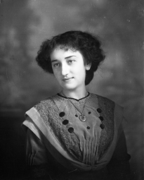 CH085/001/002/0110 Femme inconnue, 1910.