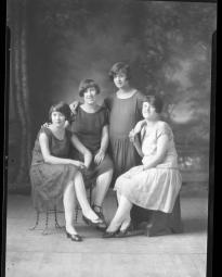 CH085 Mesdemoiselles Martel, 1926.