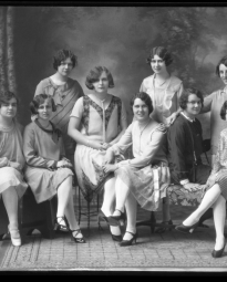CH085 Groupe d'amies, 1928.