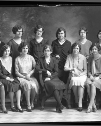CH085 Groupe de femmes de Bell Téléphone, 1930.
