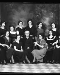 CH085 Groupe de femmes de l'usine Goodyear, 1934.