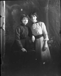 CH085 Femmes inconnues, 1913.