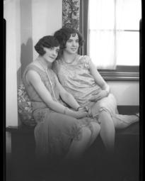 CH085 Mesdemoiselles Richer, 1928.
