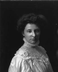CH085/001/002/1300 Femme inconnue, 1905-1915.