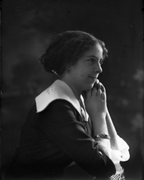 CH085/001/002/090 Femme-inconnue, 1910.