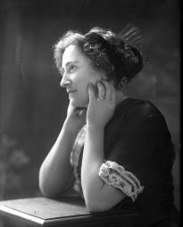 CH085/001/002/0122 Femme inconnue, 1910.