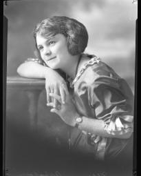 CH085 Mademoiselle Arpajou, 1919.