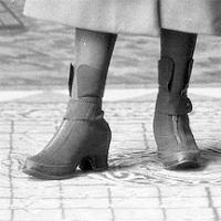 CH085 Une des deux est mademoiselle Cormier, 1932.